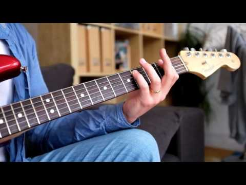 Blues Guitar Lesson - How To Play Rhythm And Lead At The Same Time