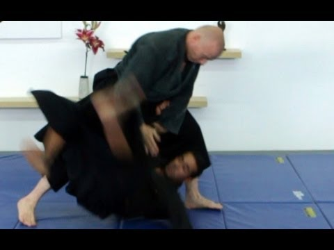 Ganseki nage, basic Ninjutsu throw - technique for Akban wiki Image 1