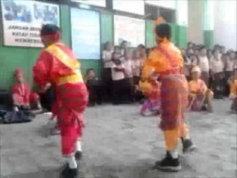 Ganrang Bulo Makassar's Traditional Dance video