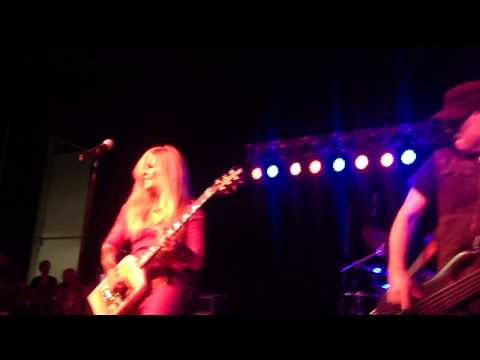 "Lita Ford - ""Hungry"" - LIVE"