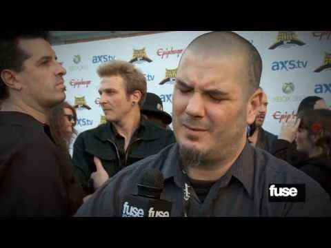 Celebrating Jeff Hanneman @ Revolver Golden Gods 5th Anniversary Red Carpet