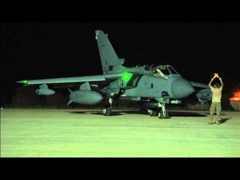 Channel 4 News - RAF Tornados arrive in Cyprus ahead of Iraq aid mission (13/8/14)