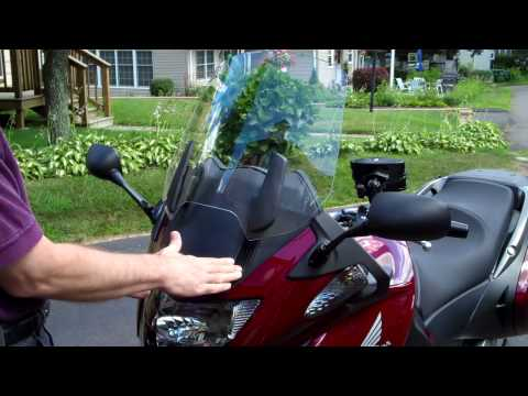 Honda NT700V Winshield Removal Video