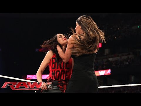 "Jerry Lawler hosts ""A Family Reconciliation"" with Nikki & Brie Bella: Raw, Aug. 25, 2014"