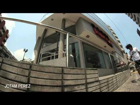 Jotam Perez Paga por Jugar - Skateboarding Panama