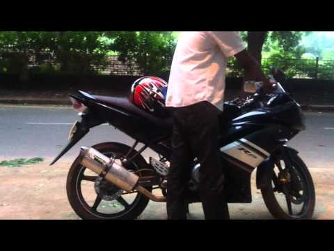YAMAHA R15 with 2 brothers V.A.L.E. exhaust system