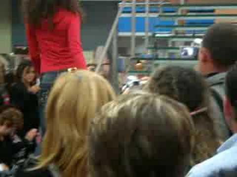 Raffaella Fico sfilata della vergine all'asta 22 09 2008