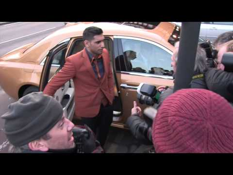 MANNY PACQUIAO & AMIR KHAN ARRIVE FOR MEETING @ THE FITZROY LODGE AHEAD OF POSSIBLE FIGHT.... ???