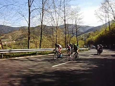 4ª Etapa  Vuelta al Pais Vasco 2014 , Vitoria - Arrate (Eibar), escapada subiendo a Usartza 1ª cat.