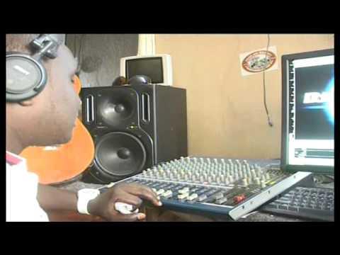 Cheche za burudani: Ma DJ wanaowika katika sehemu za umma