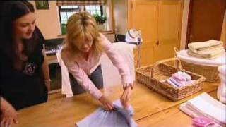 Anthea Turner - 'Perfect Housewife' T-shirt folding