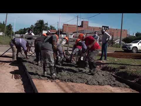 Comenzó el relleno con hormigón en la obra de pavimentación de calle Presidente Perón