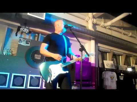 Bob Mould - Hoover Dam/ Needle Hits E/ Your Favorite Thing - Rough Trade East - 31/5/12