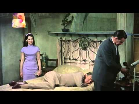 Thw World Of Suzy Wong - William Holden & Nancy Kwan video