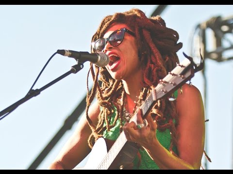 Valerie June -