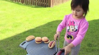 Little Tikes Sizzle n Serve Grill (Inside and Outside Grill for Kids) - Cooking Toys for Children
