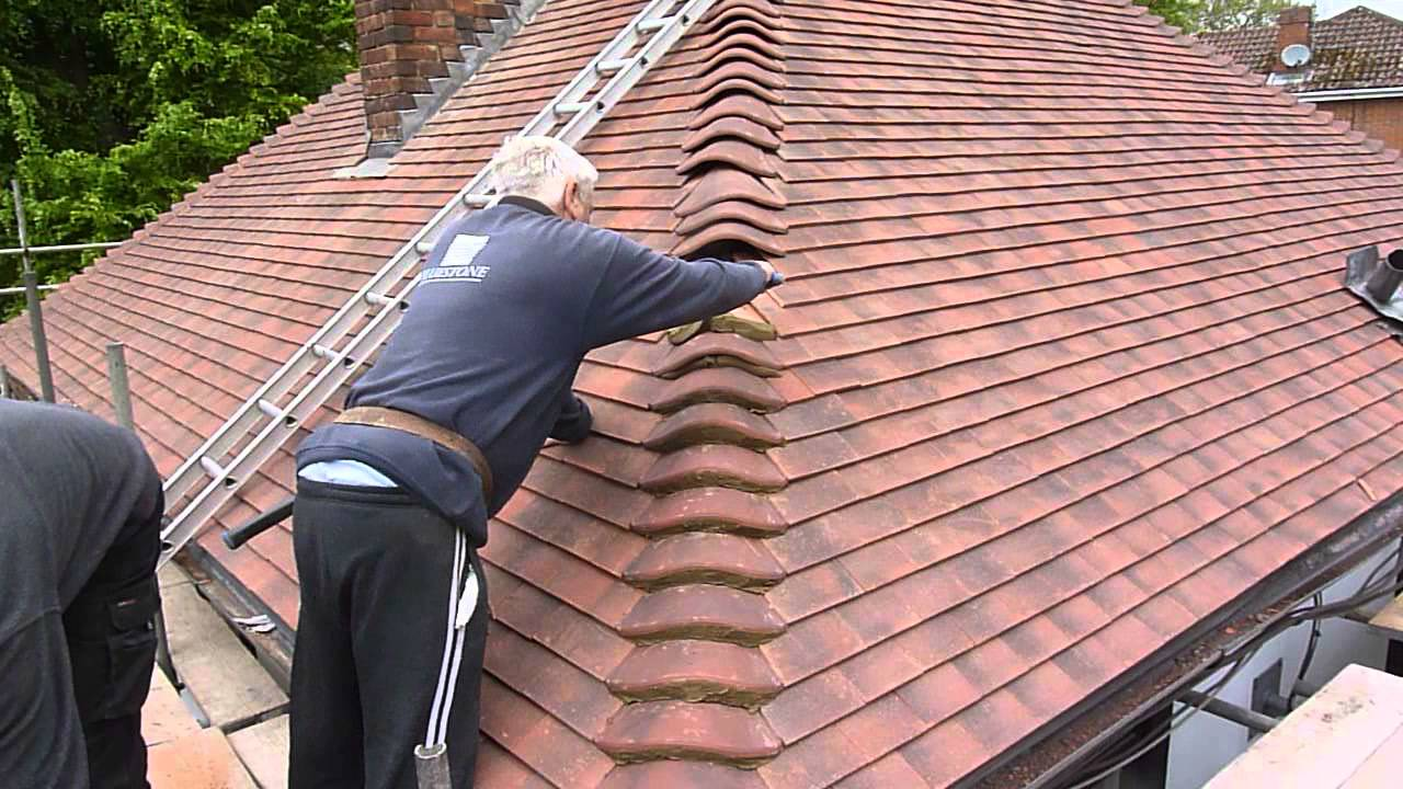 Re Roofing My Your House Cementing The Bonnet Tiles