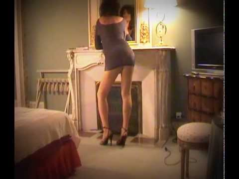 me  coriane crossdresser sexy  high heels sandals pantyhose walking in hotel