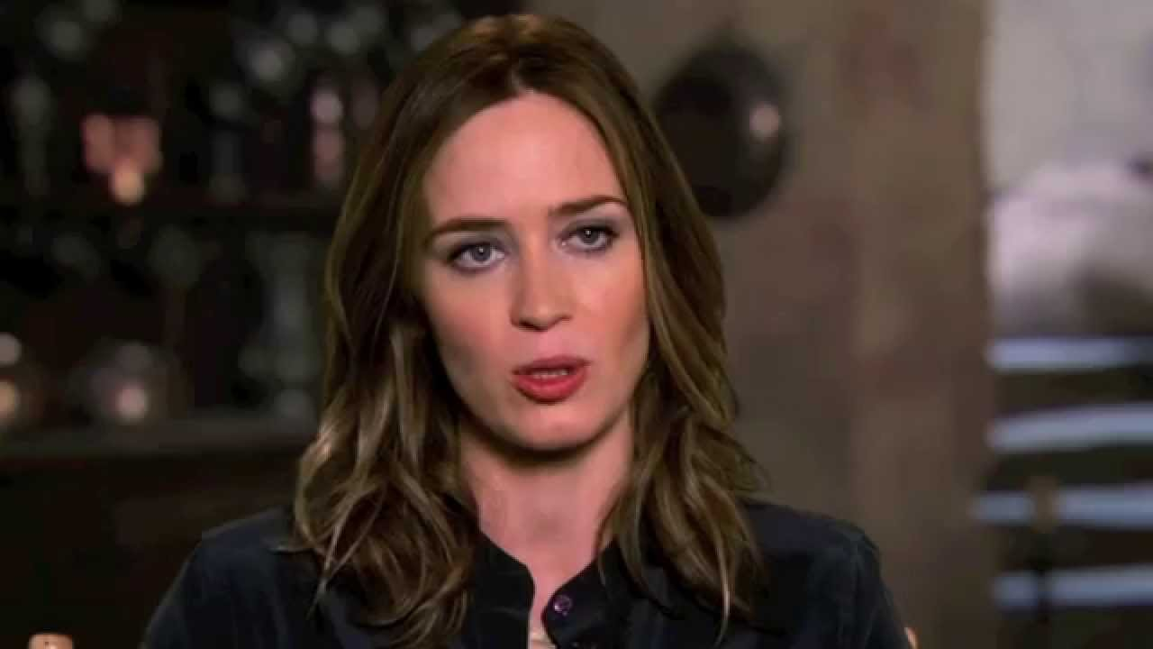 Emily Blunt: INTO THE ...