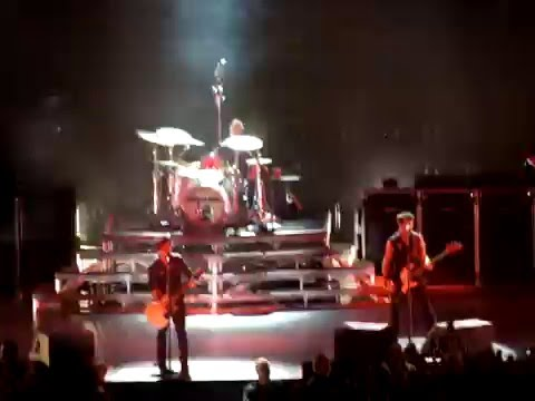 Green Day - Holiday (live @ Ericsson Globe, Stockholm, SWEDEN 11.10.2009)