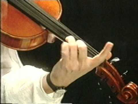 Eileen Ivers on the fiddle