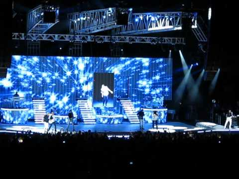 Rascal Flatts with Lionel Richie Dancing On The Ceiling (Live in Tinley Park) June 25, 2011