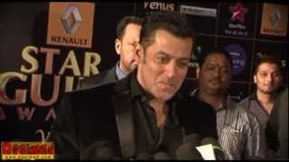 Salman Khan Attacks Shahrukh Khan @ Star Guild Awards 2013