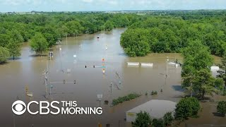 Neighbors helping one another amid Oklahoma flooding