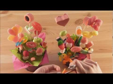 Maceta con flores de chuches youtube for Centros de mesa con chuches