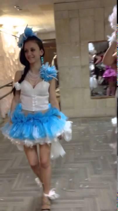 Дефиле платьев из подручных средств - Club-j.ru