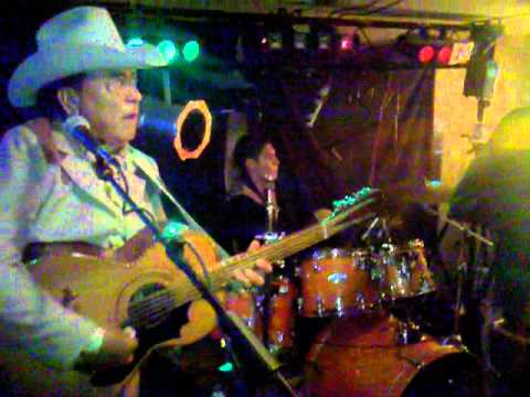 Los Jilgeros Del Arroyo at (Patron in Plainview,tx)