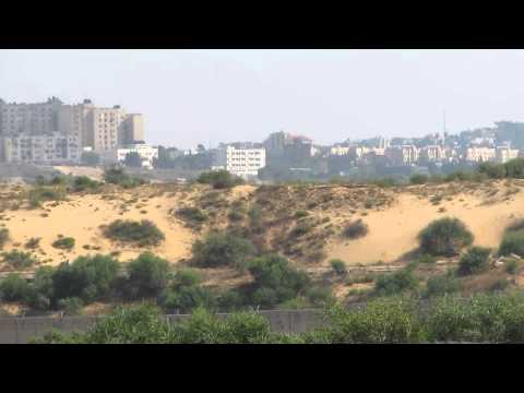 The wall between Netiv Ha'asara (Israel) and Beit Hanoun and Beit Lahia (Gaza Strip)