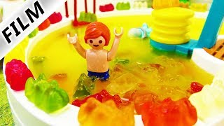 Playmobil Film Deutsch - GUMMIBÄRCHEN-FANTA-POOL! JULIAN BADET IM NEUEN SWIMMING POOL Familie Vogel