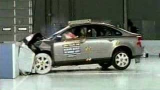 Crash Test 2004 - 2009 Volvo S40 (Frontal Offset) IIHS
