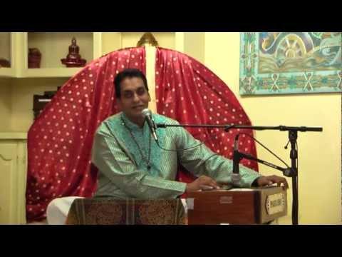 Dekho Divali Bhajan by Pundit Munelal Maharaj