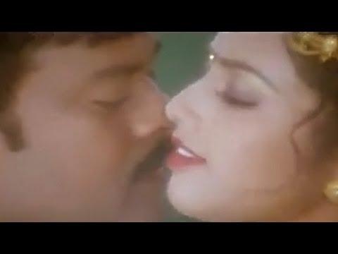 Tu Hai Chhori Kachchi - Chiranjeevi, Meena, Main Hoon Rakhwala Song