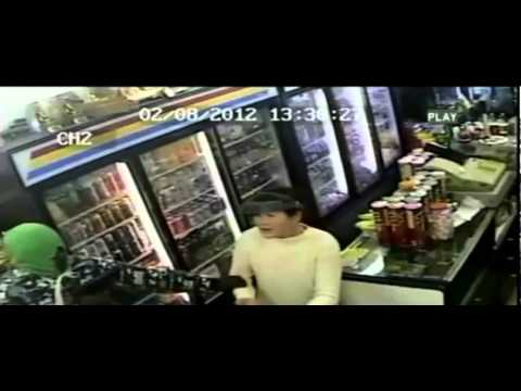 Security Video - Violent Jewelry Robbery leads to arrest of 4 in Seattle