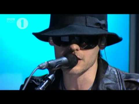 30 Seconds To Mars - This Is War (Live)