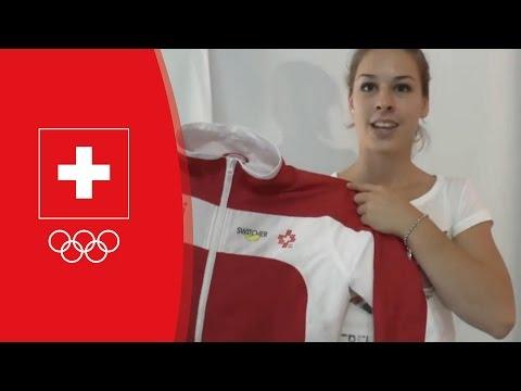 Giulia Steingruber signiert ihren Trainingsanzug