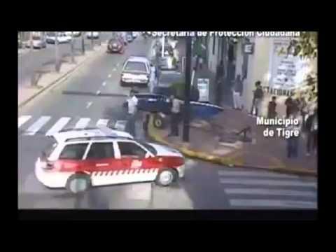 ШОКИРУЮЩАЯ авария на дороге, наезд катером