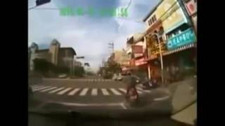 Blatant Chinese Car Insurance Scam Compilation Very funny