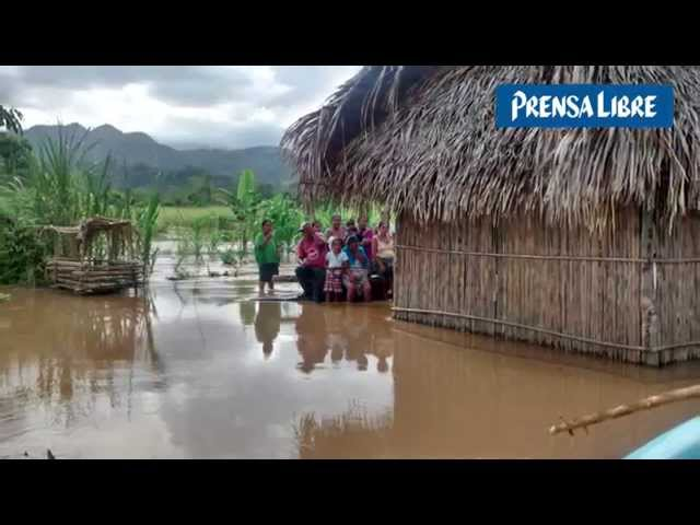 Ríos Cahabón y Polochic inundan comunidades en Alta Verapaz