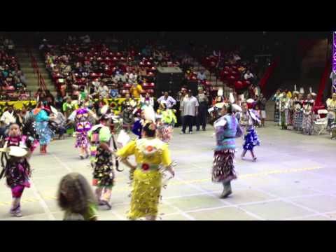 Women's Jingle Dress - Gathering of Nations PowWow 2013