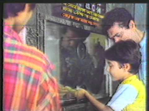 Cadbury Eclairs 1980's OLD ad - Cinema Queue
