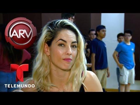 Bárbara Mori sorprendió a 8 quinceañeras en su día | Al Rojo Vivo | Telemundo
