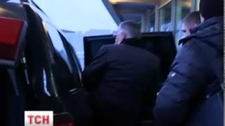 Літак із Тель-Авіва з міністром-втікачем Табачником приземлився в Борисполі - (видео)