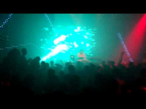 SIN 33 Disco Party girls Clarke Quay (watch in HD)