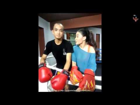 Tomok OIAM : Muay Thai Bersama Kilafairy (Artis Seksi Yang Bibirnya Macam Angelina Jolie tu!)