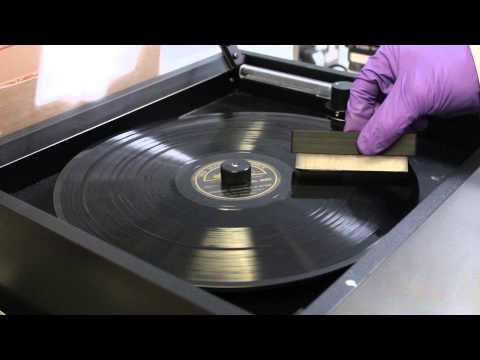 Cleaning a shellac disc