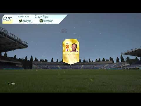 Record Breaker Petr Cech in a pack!